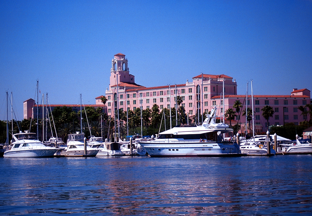Vinoy hotel and marina located St. Petersburg home of the best inspectors in St. Petersburg Pinellas county Advanced home inspections of florida